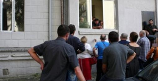 დევნილებმა შენობა უნარშეზღუდულ ბავშვებსაც  წაართვეს