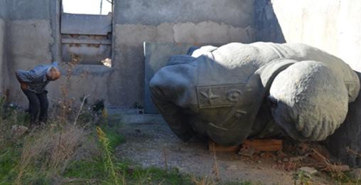 გორში სტალინის ძეგლს ბიუჯეტის ფულით აღადგენენ