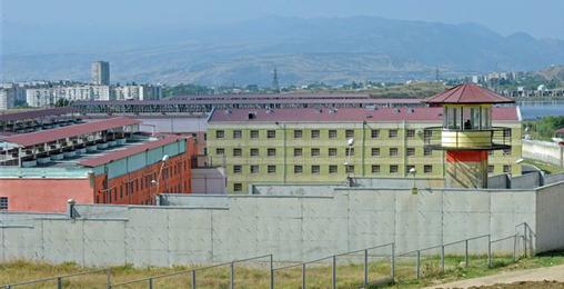 დაკავებულ ყოფილ მაღალჩინოსნებს გირაოს გადახდამდე გლდანის ციხეში გადაიყვანენ