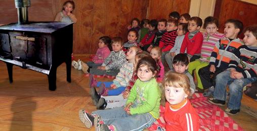 რაიონებში ხელისუფლების ცვლილებას ბავშვების ჯანმრთელობა ეწირება