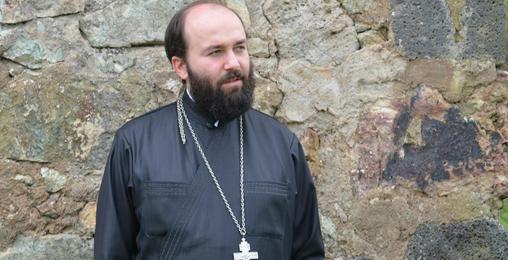 მამა ილია ჭიღლაძე: ახლაც არის რუის-ურბნისის მსგავსი საეკლესიო კრების ჩატარების აუცილებლობა