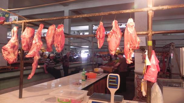 თბილისში საეჭვო წარმომავლობის ხორცი იყიდება