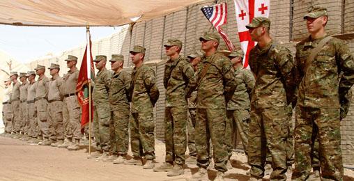 ჯარისკაცები ავღანეთში წვრთნებს გადიან