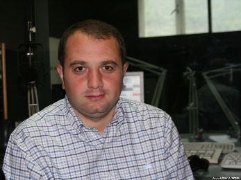 ირაკლი ჩიქოვანი:-