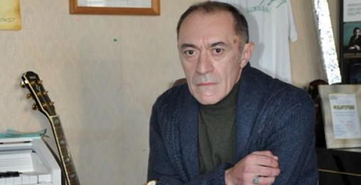"""მამუკა ჩარკვიანი: """"საქართველოში მკვდარი პოეტები და კომპოზიტორები უყვართ"""""""
