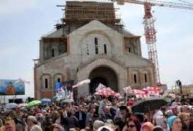 მახათას მთაზე ივერიის ყოვლადწმინდა ღვთისმშობლის ხატის სახელობის ტაძარზე ჯვრს აღმართავენ
