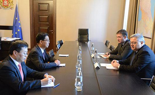 ჩინეთის სახალხო რესპუბლიკის ელჩთან დავით უსუფაშვილმა  გაცნობითი ხასიათის შეხვედრა გამართა